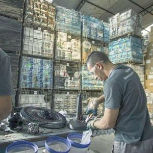 Empresa de descarte de plásticos